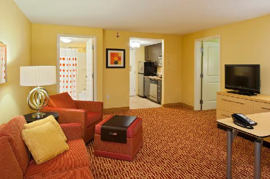 TownePlace Suites Bethlehem Easton: One Bedroom Suite view from Living Room