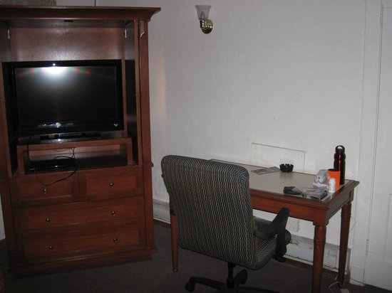 Logan Lodge:                                     Flat screen tv and cable works