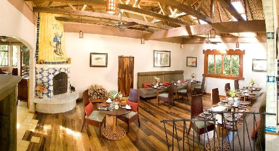 Finca Rosa Blanca Coffee Plantation & Inn: El tigre Vestido Restaurant