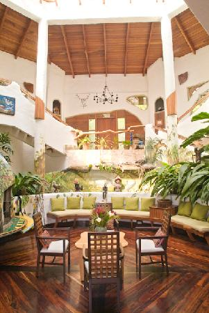 Finca Rosa Blanca Coffee Plantation & Inn: The main lobby area