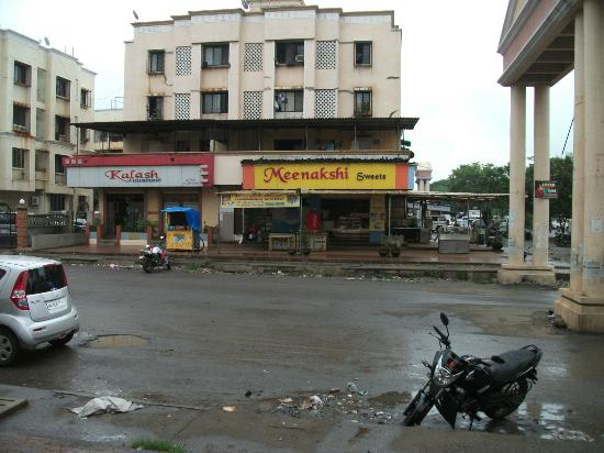 Hotel Silver Avenue: local shops