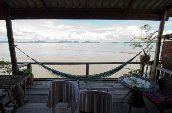 Mango Guesthouse + Villas: Hammock and a view