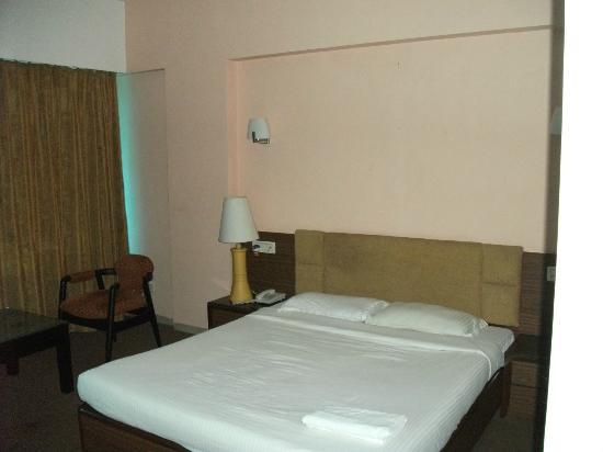 Hotel Silver Avenue: bed
