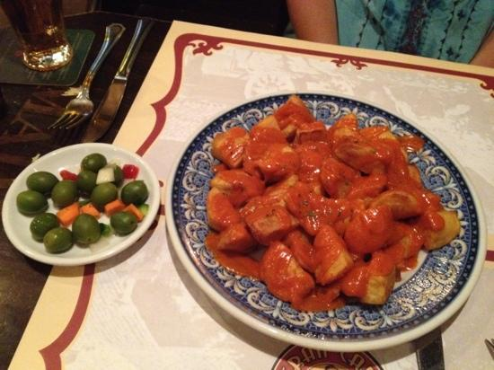 Gran Café de Madrid: Best patatas bravas in Madrid!