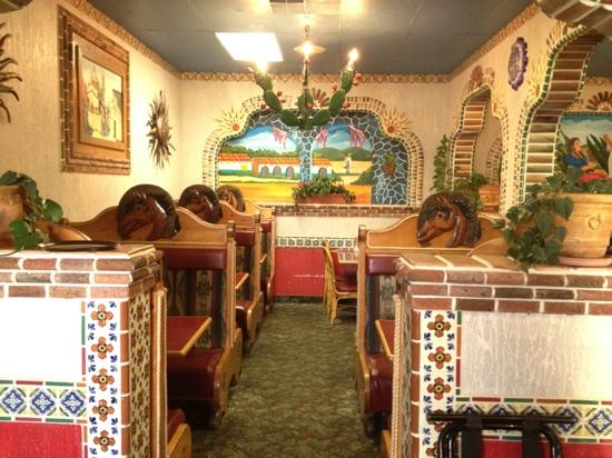Jalisco's Mexican Restaurant No. 1: dining room
