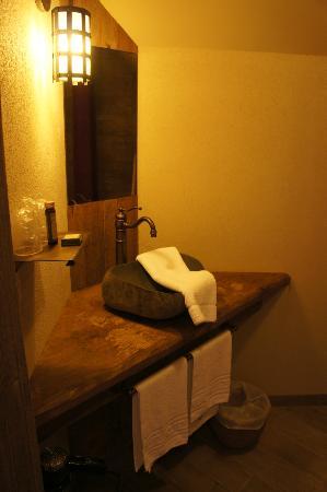 Hotel les iles de clovis les epesses voir les tarifs 179 avis et 120 photos - Hotel les iles de clovis puy du fou ...
