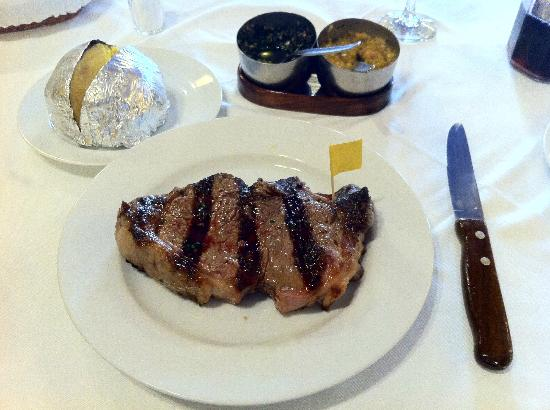Rincon Gaucho : A great Argentinian steak ... look at the Chimichurri!