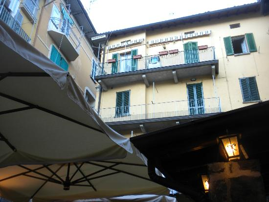 L'Antico Pozzo Restaurant : The view as you enter, if you look UP