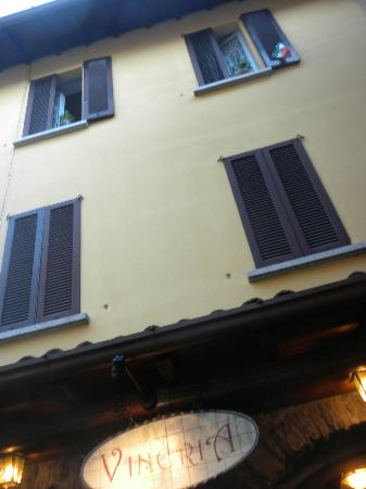 L'Antico Pozzo Restaurant : the view from the queue