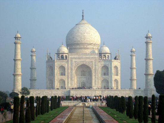 Agra scene - Taj Mahal
