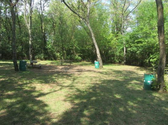 Red Oak Campground: Empty site - 280