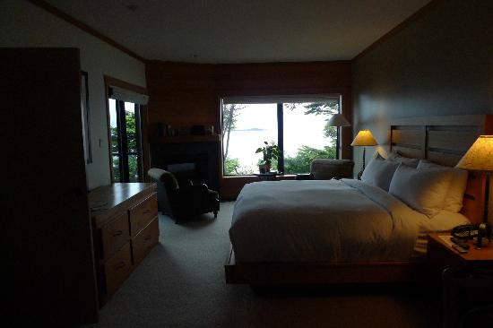 Wickaninnish Inn and The Pointe Restaurant: Room 210 - so beautiful and clean