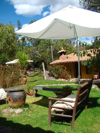 Las Chullpas Eco Lodge: Jardìn