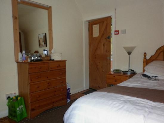 Shakespeare Inn: room