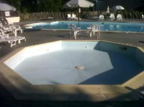Hôtel Kerloc'h Gwen : Zwembad voor kinderen zonder water