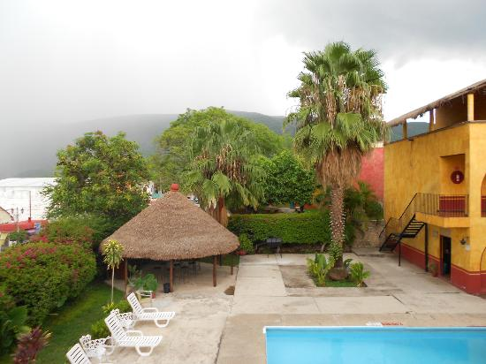 Mision Jalpan: Vista desde habitaciòn hacia la Sierra Gorda