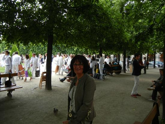 the white dinner place des voges 2012 picture of les bonnes soeurs paris tripadvisor. Black Bedroom Furniture Sets. Home Design Ideas