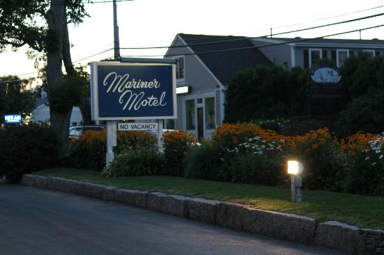 Mariner Motel: Street view