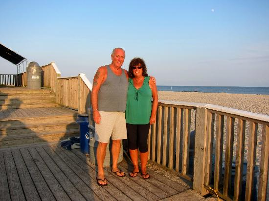 Sea Crest Motor Inn: Celebrating our 40th wedding anniversary at the Sea Crest