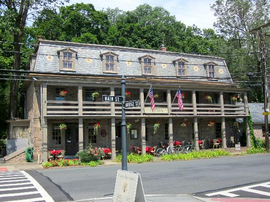 Stockton Inn : A HISTORIC HOTEL / INN / RESTAURANT