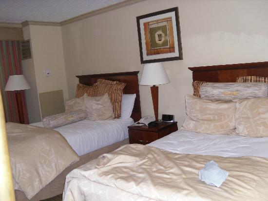 Holiday Inn Tampa Westshore: the bed part of the room