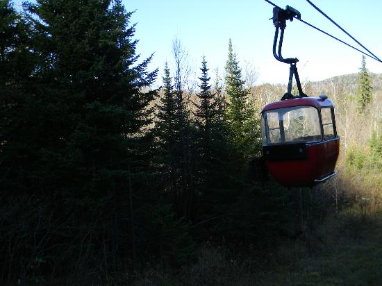 Lutsen Mountain Tram: Riding up the hillside.