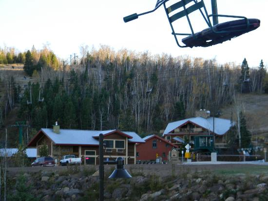 Eagle Ridge at Lutsen Mountain: Chairlift on Lutsen hillside at Eagles Ridge.