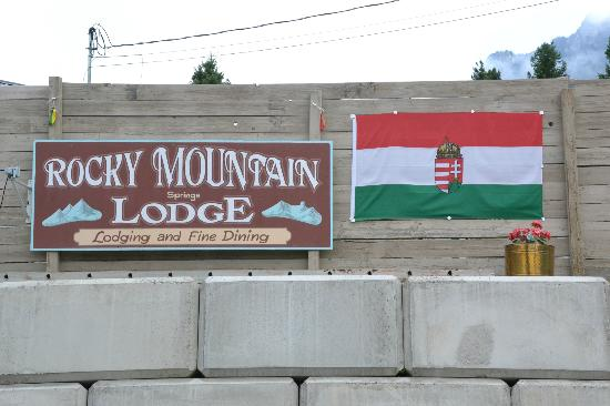 Rocky Mountain Springs Lodge and Restaurant: Proud Hungarian