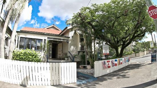 Bowen Terrace International Accommodation: FRONT