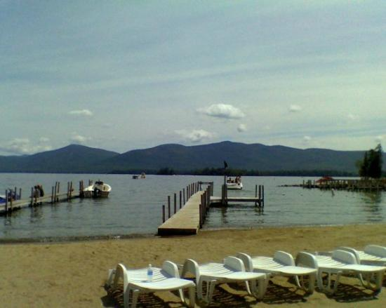 Golden Sands Resort on Lake George: Golden Sands Resort Beach