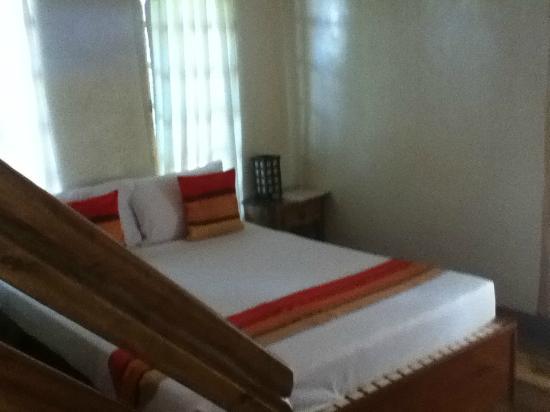 Palo Alto Bed & Breakfast: queen bed on main floor