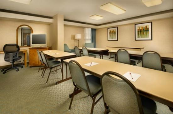 Pear Tree Inn St. Louis Airport: Meeting Room