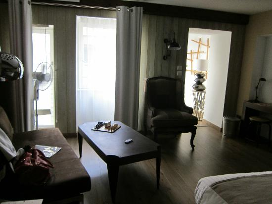 """Residence Le Pre aux Clercs: """"Loft"""" sitting area"""