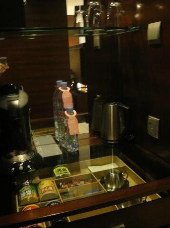 JW Marriott Hotel Shenzhen: not free