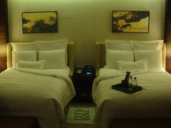 JW Marriott Hotel Shenzhen : turn down service