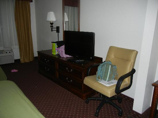 Holiday Inn Express Syracuse / Fairgrounds: Room