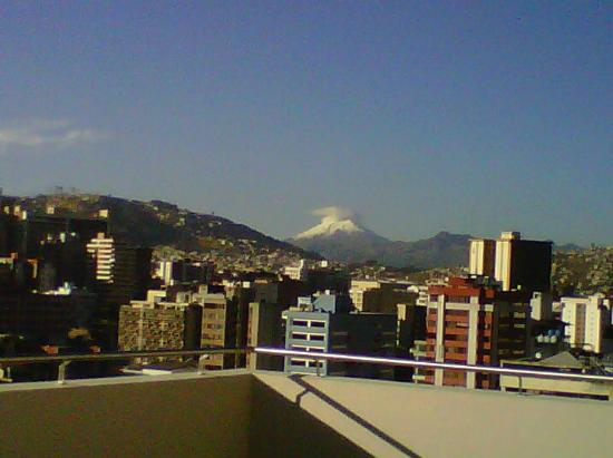 Holiday Inn Express Quito : Vista desde el gimnasio - Piso 12