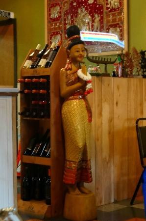 Thai Orchid Cafe : Thai statue