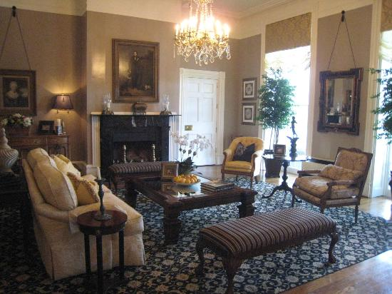 The Martha Washington Inn and Spa: Lobby