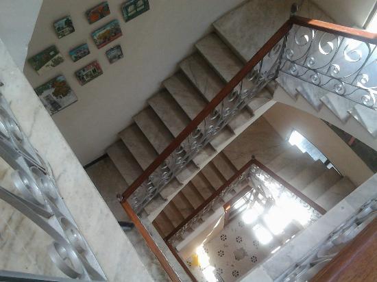 Da House Hotel: Stair case.