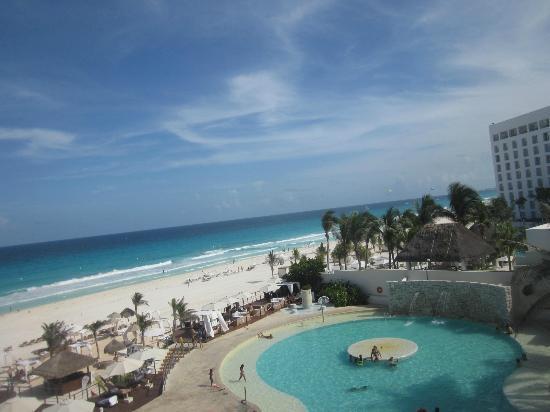alberca del hotel picture of sunset royal beach resort. Black Bedroom Furniture Sets. Home Design Ideas