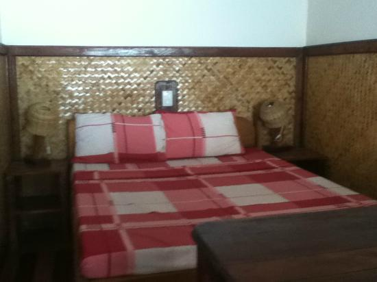Coral Bay Resort: third queen bed