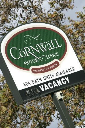 Cornwall Motor Lodge: Signage