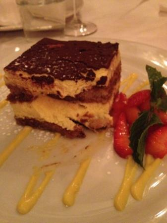 Photo of Italian Restaurant Cafe Tiramisu at 28 Belden Pl, San Francisco, CA 94104, United States