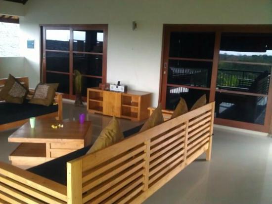 Villa Besar: Living area upstairs