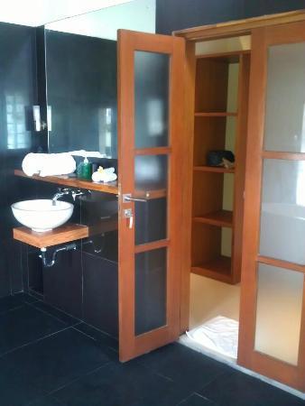 Villa Besar: Bathroom