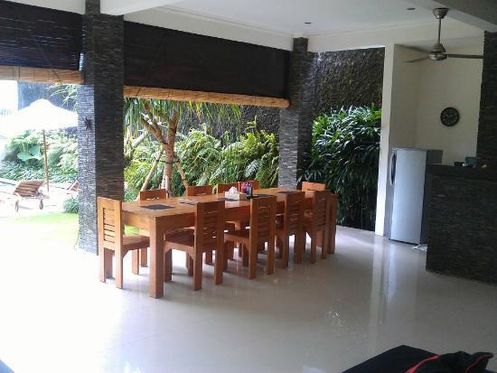 Villa Besar: Meals
