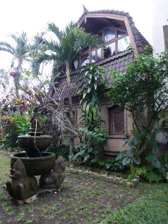 Tirta Arum Guest House: our building