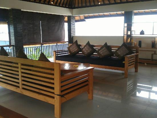 Villa Besar: Upstairs