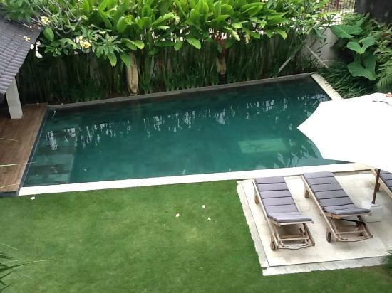 Villa Besar: Pool view from upstairs